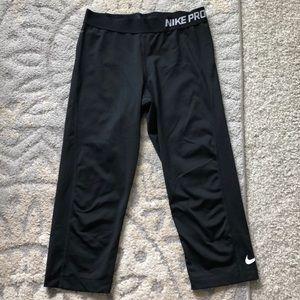 Nike pro Capri leggings size medium